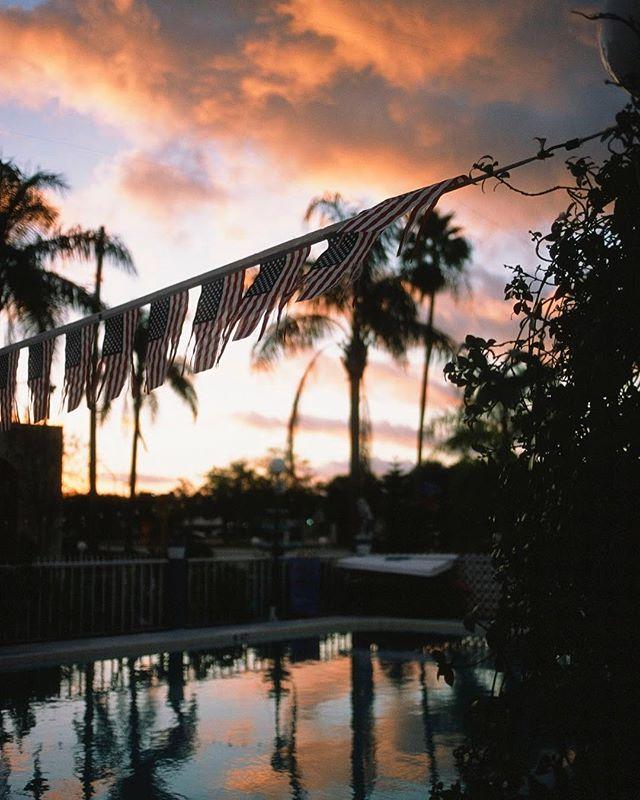 Clearwater,FL 2018.  #35mm #35mmfilm #filmfeed #filmisnotdead #buyfilmnotmegapixels #buyfilm #thedarkroom #filmphotography #bleachmyfilm #clearwater#florida #filmcamera #canon #fujifilm