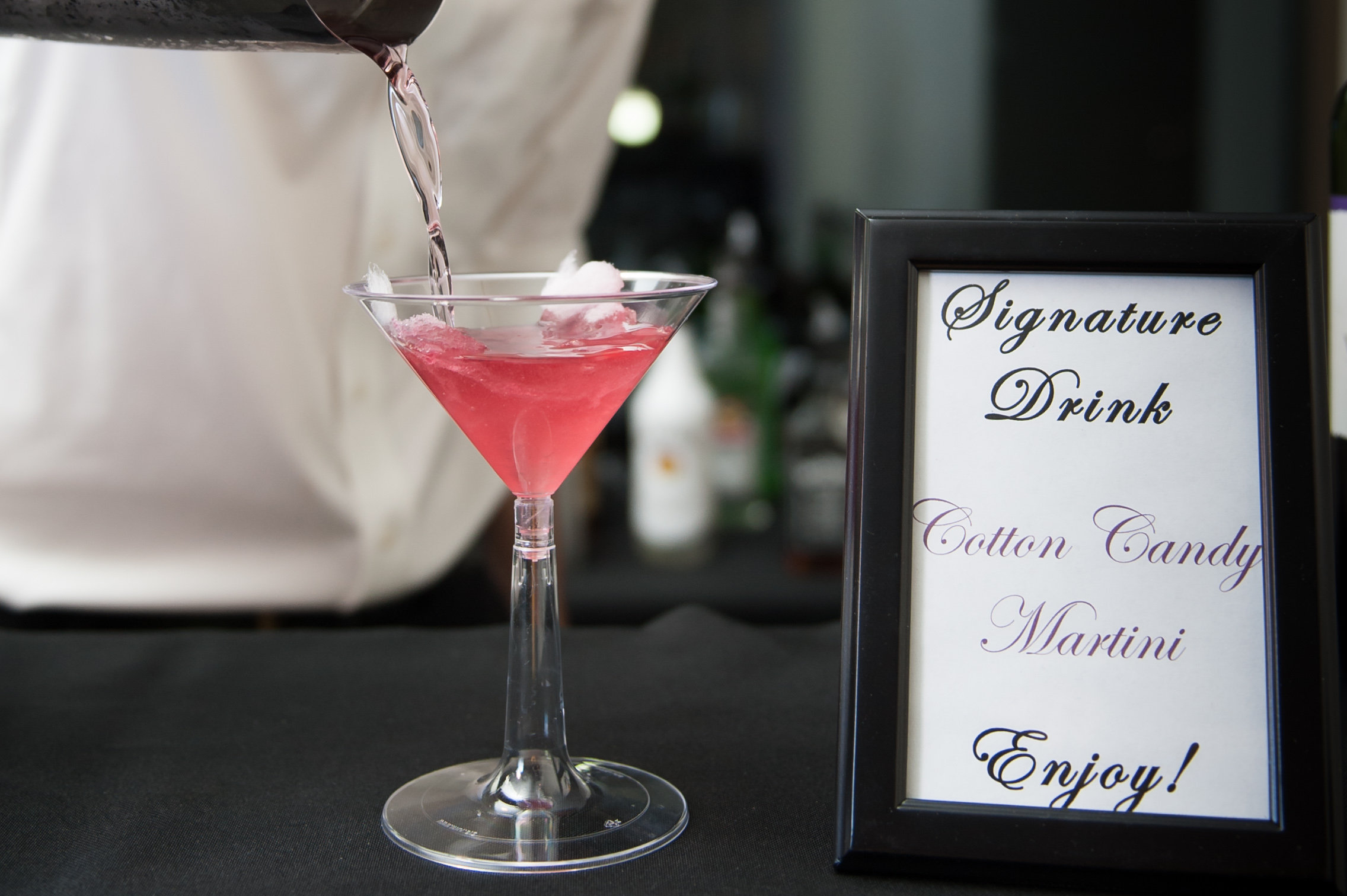 Cocktails poured over fluffy cotton candy were as much a feast for the eyes as for the lips!