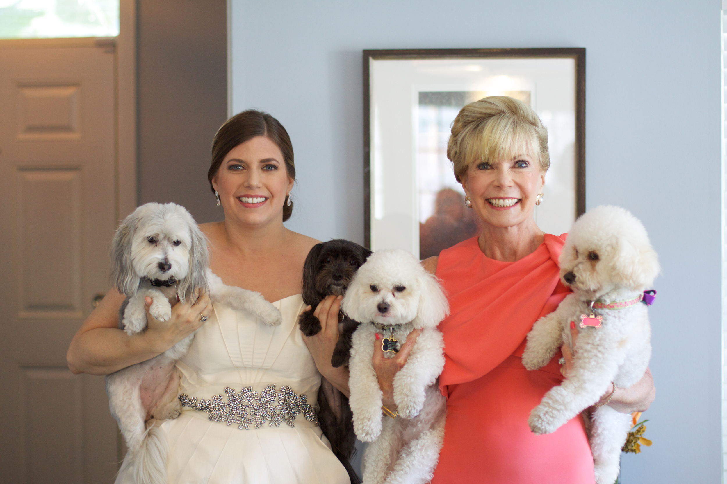 Who wouldn't want their pups with them on the morning of their wedding day?!