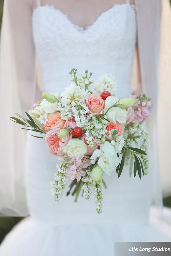 winsor event studio country rustic bouquet blush peach