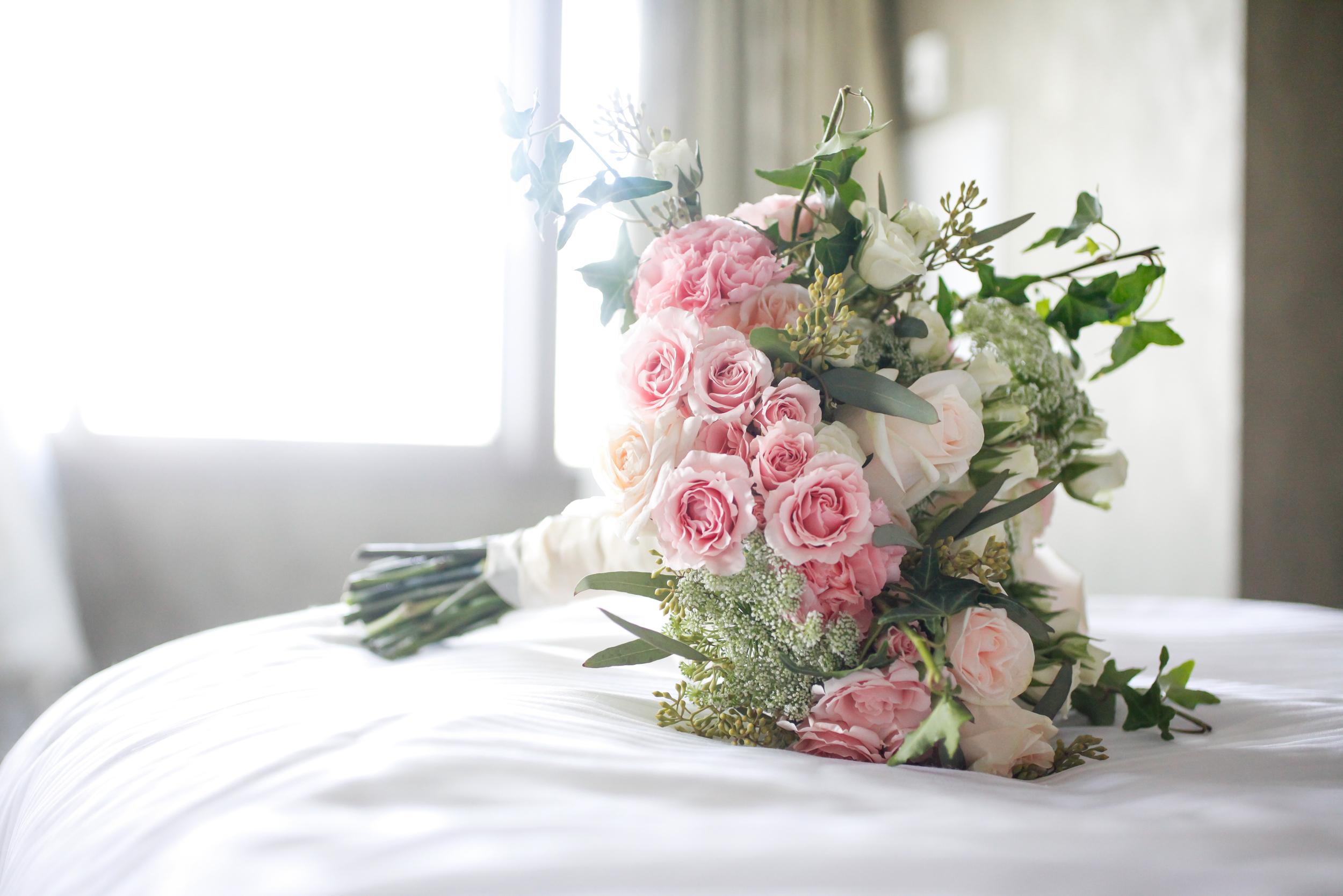 winsor event studio garden wedding bride bouquet blush