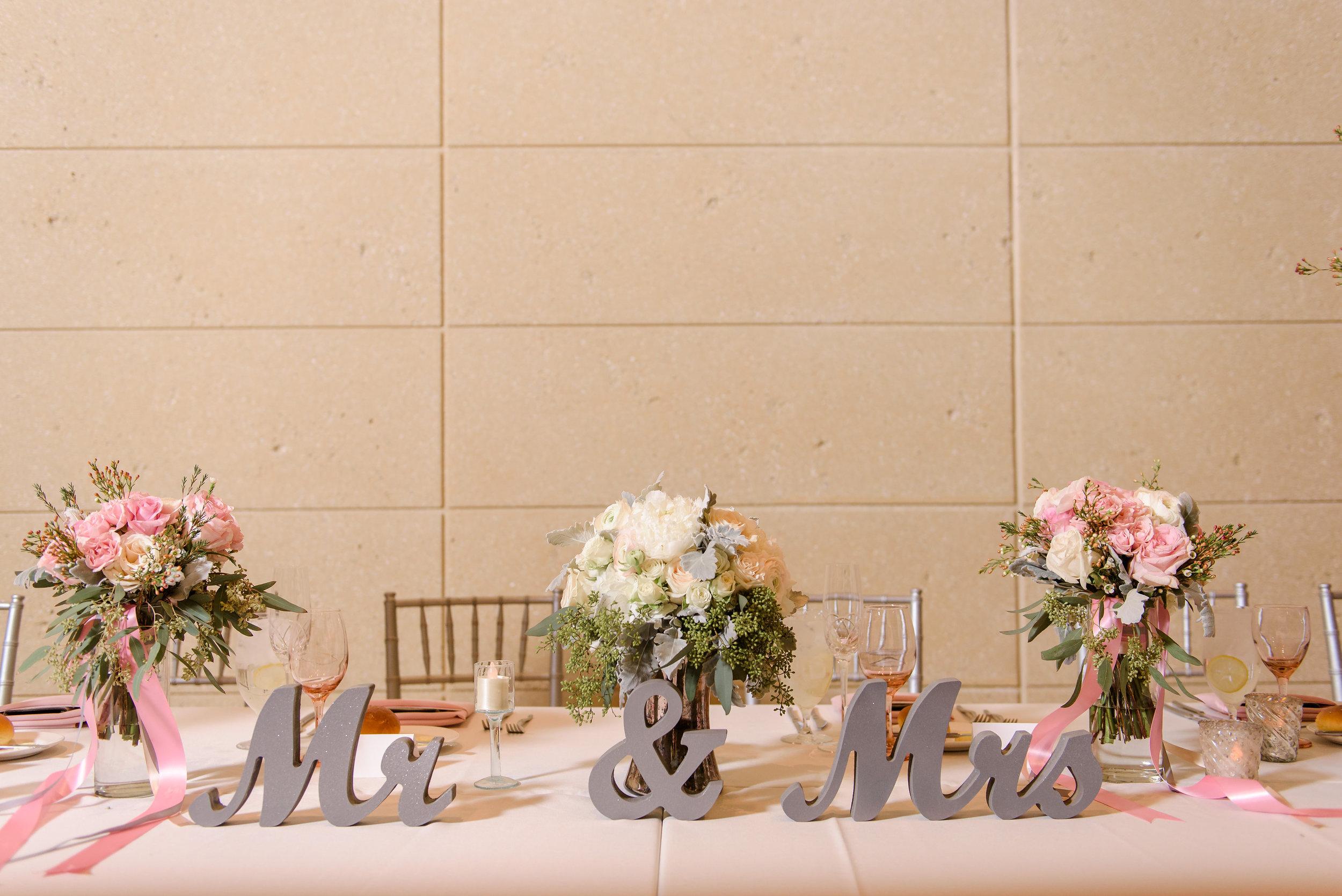 winsor event studio mr mrs signs sweetheart head table