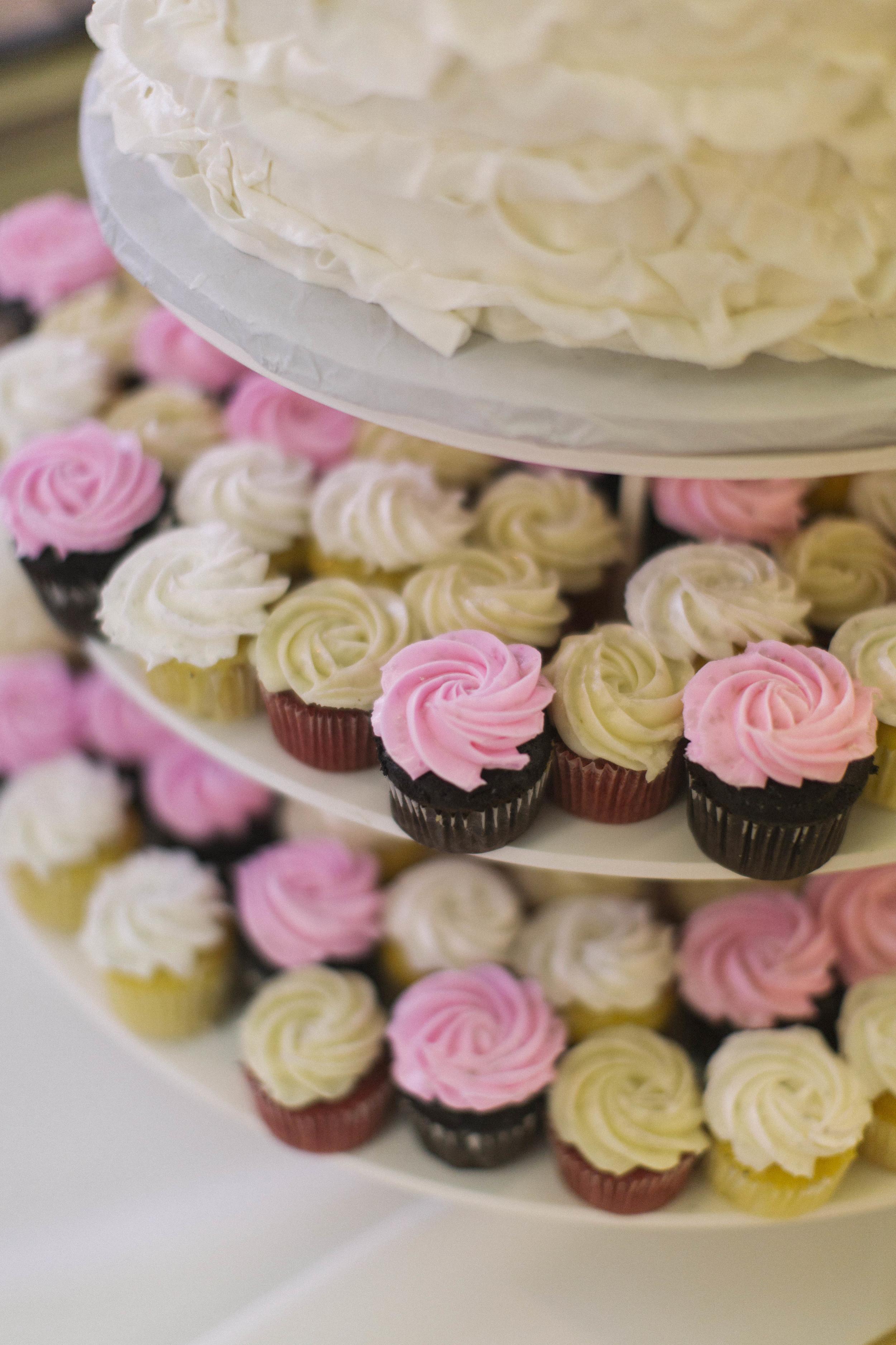 winsor event studio wedding cupcakes