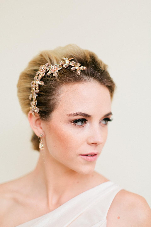 winsor event studio floral comb bride hair