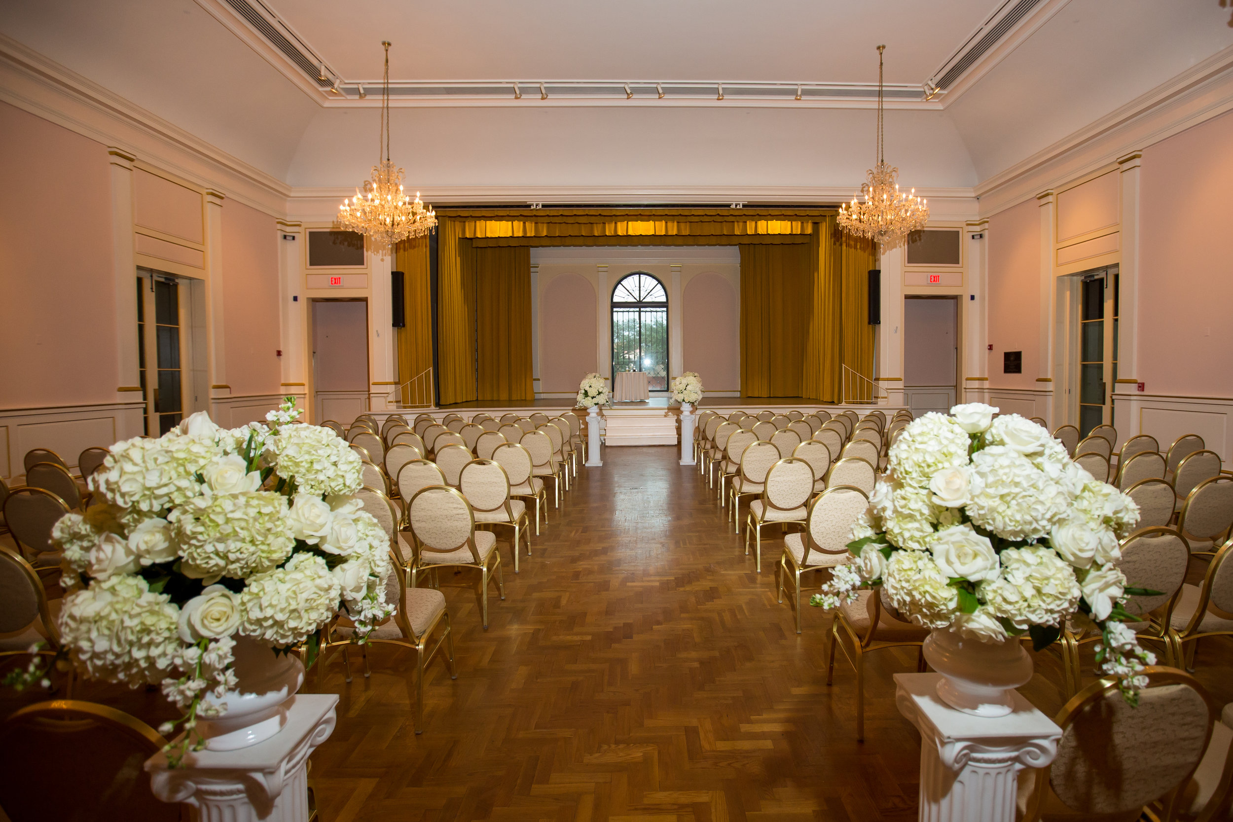 The stately ballroom ceremony provided unobstructed views of the couple on stage.
