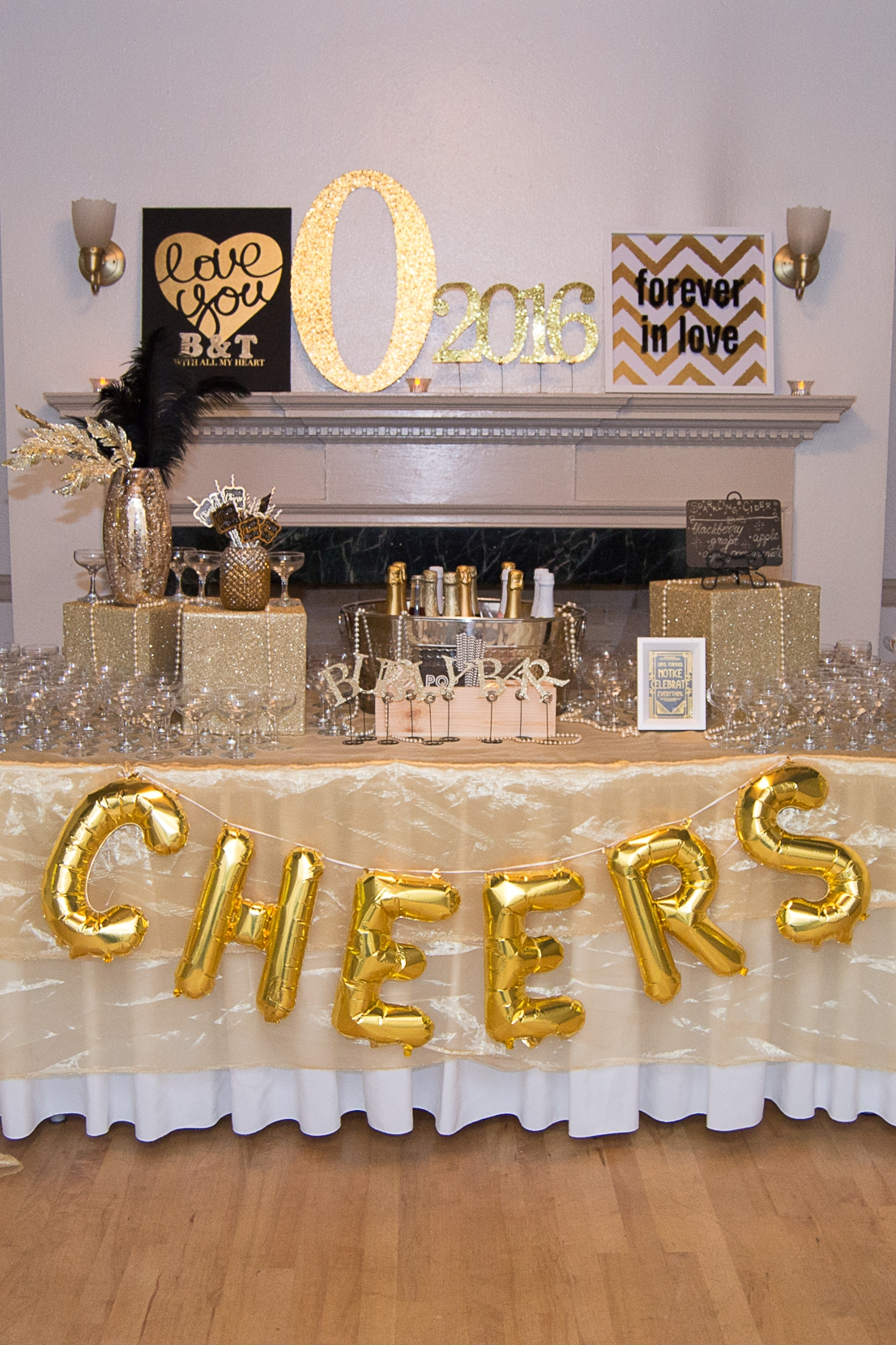 A 'Bubbly Bar' welcomed guests as they entered the reception.
