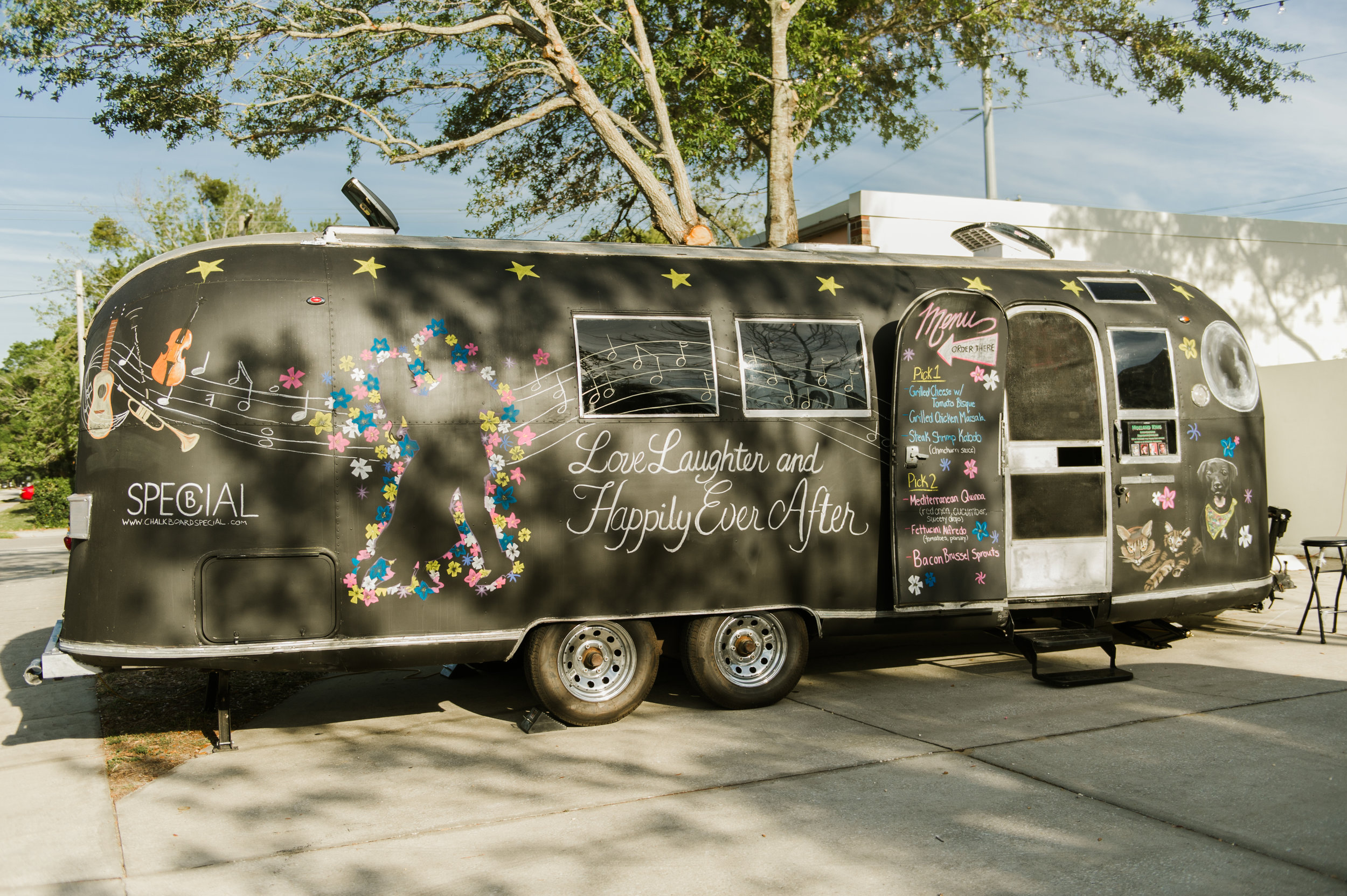 Guests enjoyed delicious food from a local food truck that featured a live chalk artist creating a one-of-a-kind masterpiece inspired by the bride and groom!