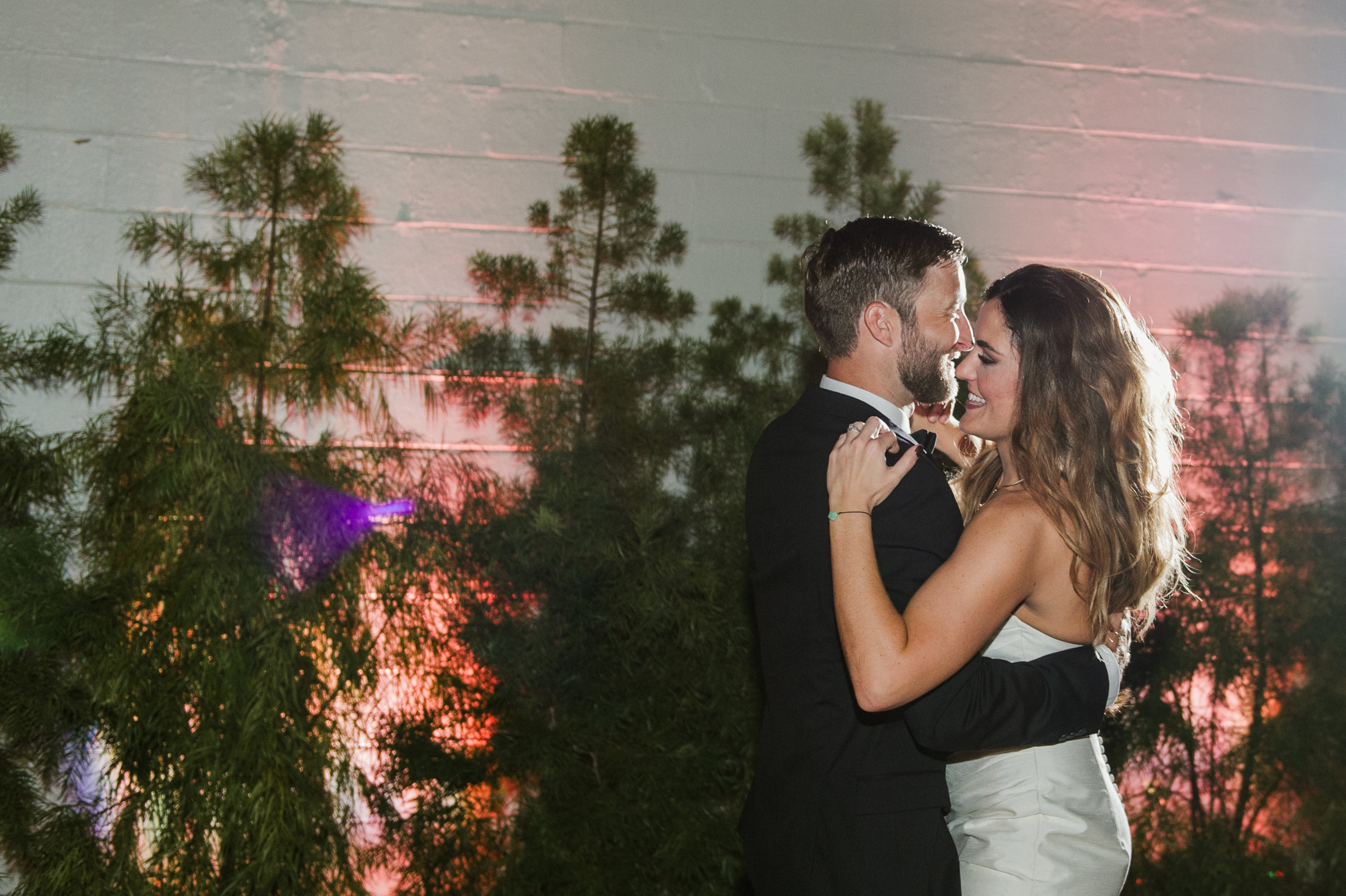 How absolutely gorgeous did this couple look dancing beneath the night sky?!