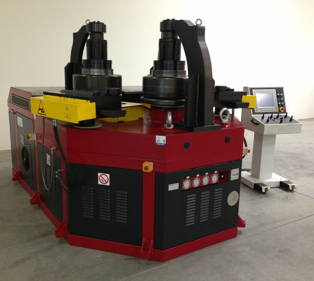 large-roll-bender-with-control