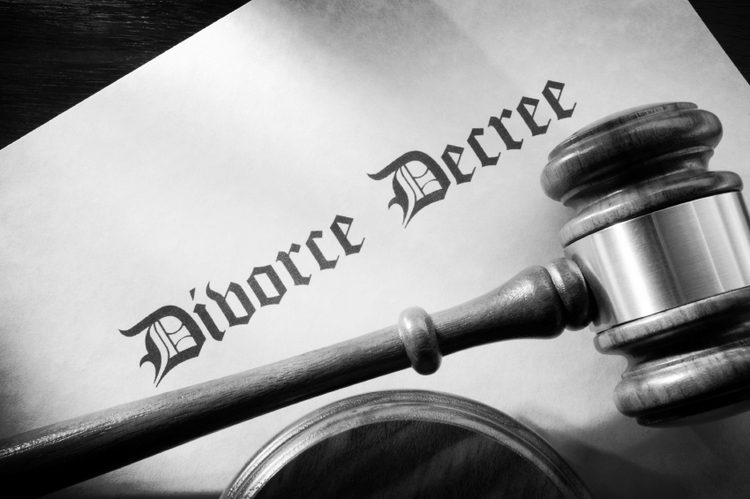 DIVORCE / FAMILY LAW