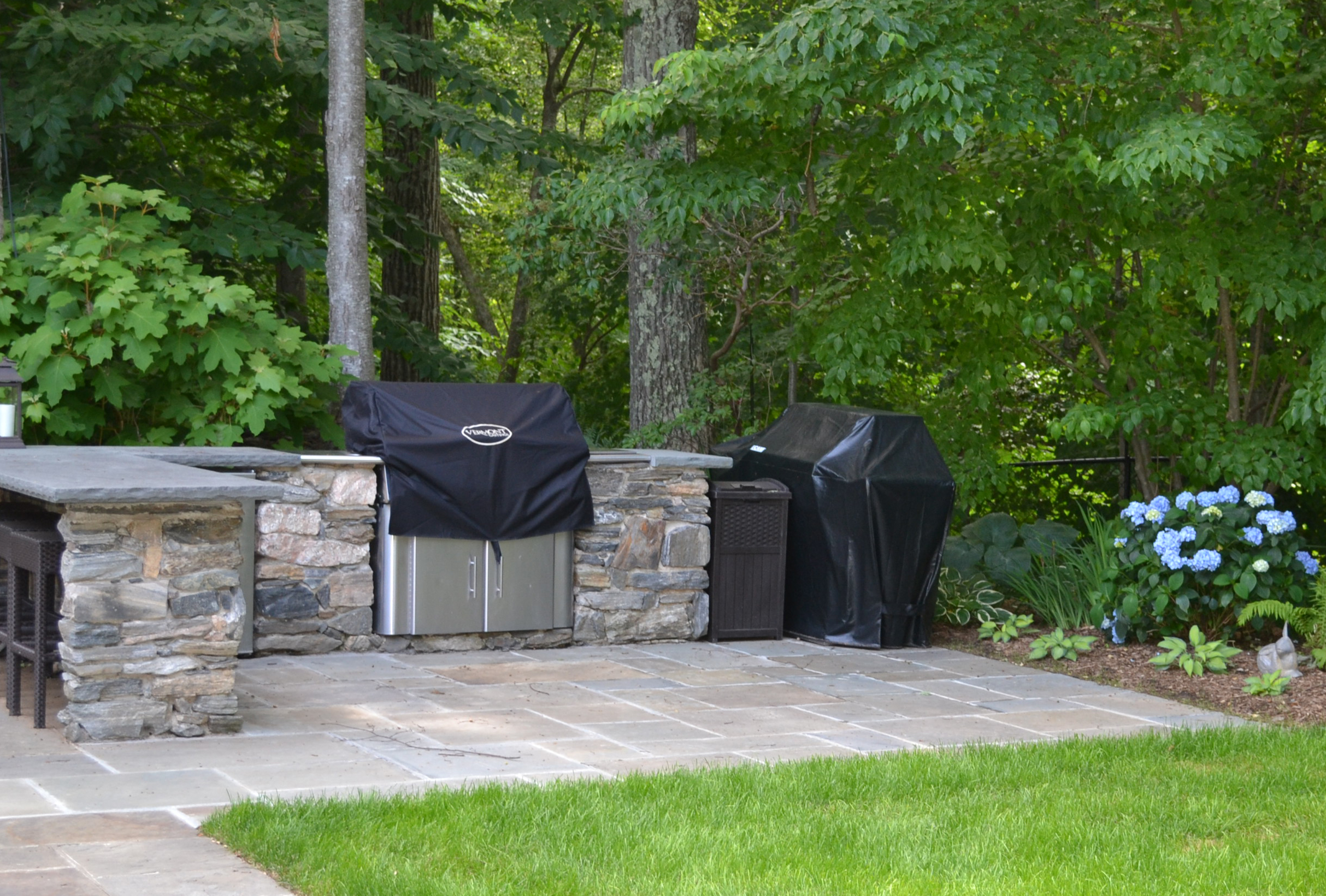 4_Patio and shade garden outdoor kitchen.jpg