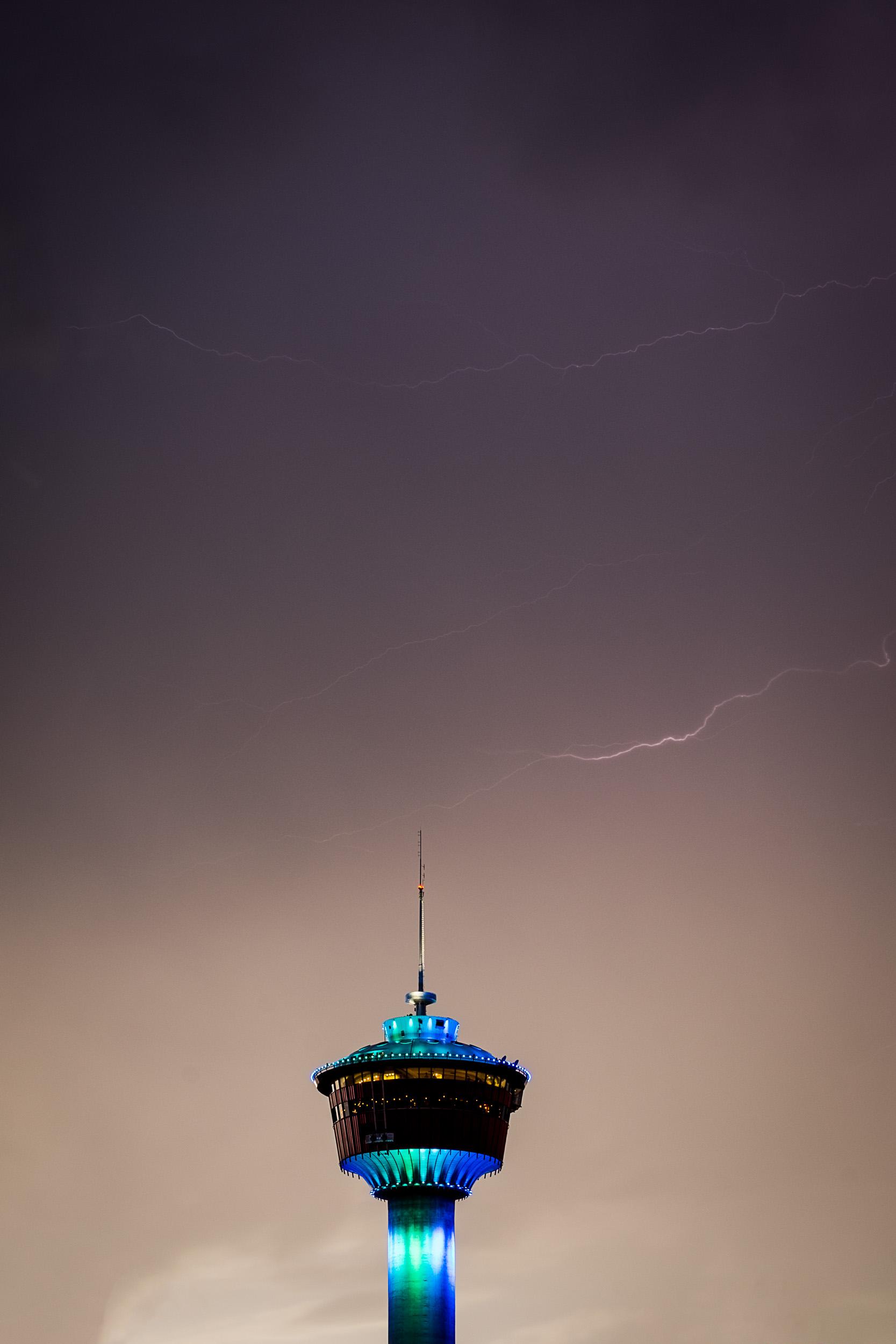 Lightning2-1.jpg