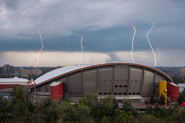 Thoughts on the Saddledome eventually disappearing from the city's skyline? As an Oilers fan I have more bad memories than good in that place... but will be sad when it's gone.  This photo is four shots merged together from August 6, 2019. #lightning #saddledome 🌩🌩🌩🌩🌩 #myfujifilm #fujifilm_northamerica #xt2 #yyc #calgary #yycliving #sharecalgary #captureyyc #calgaryliving #calgaryisbeautiful  #shareyyc #capturecalgary  #dailyhiveyyc #calgarylife #yyclife #loveyyc #calgaryalberta #curiocitycalgary #yycnow #yyctoday #yyclove #calgarysworld #yyclocal #calgarycolour #calgary360 #calgarytourism #urbancalgary #wakeupyyc
