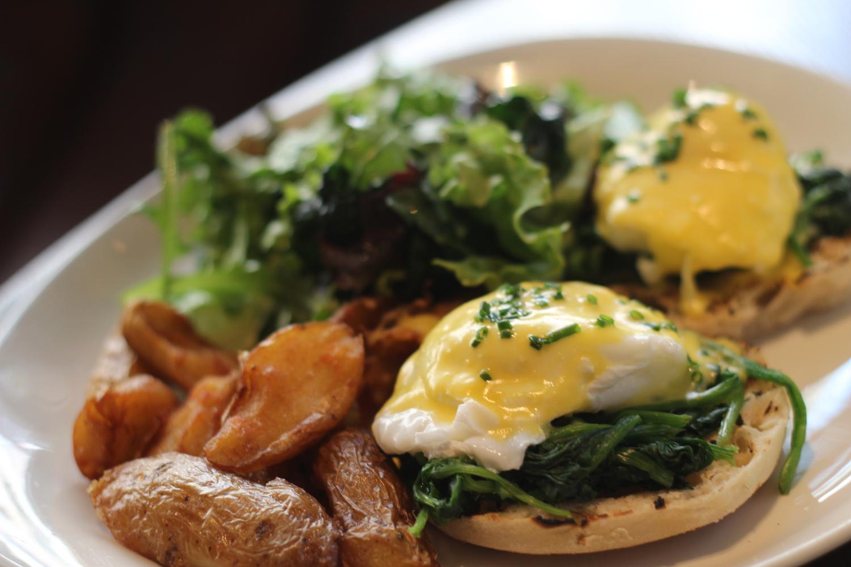 eggs florentine with potatoes