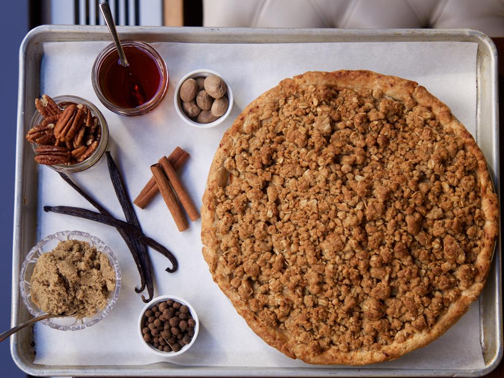 The-Wayfarer-Apple-Brown-Sugar-Crumble-Pie.jpg