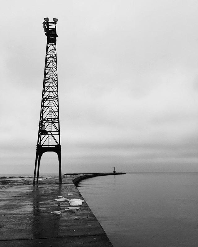 #nowhere #alone #water #chicagoartist #chicagoshots #chicagogram #chicago #insta_chicago #mychicagopix #chicago_community #lakemichigan #lake
