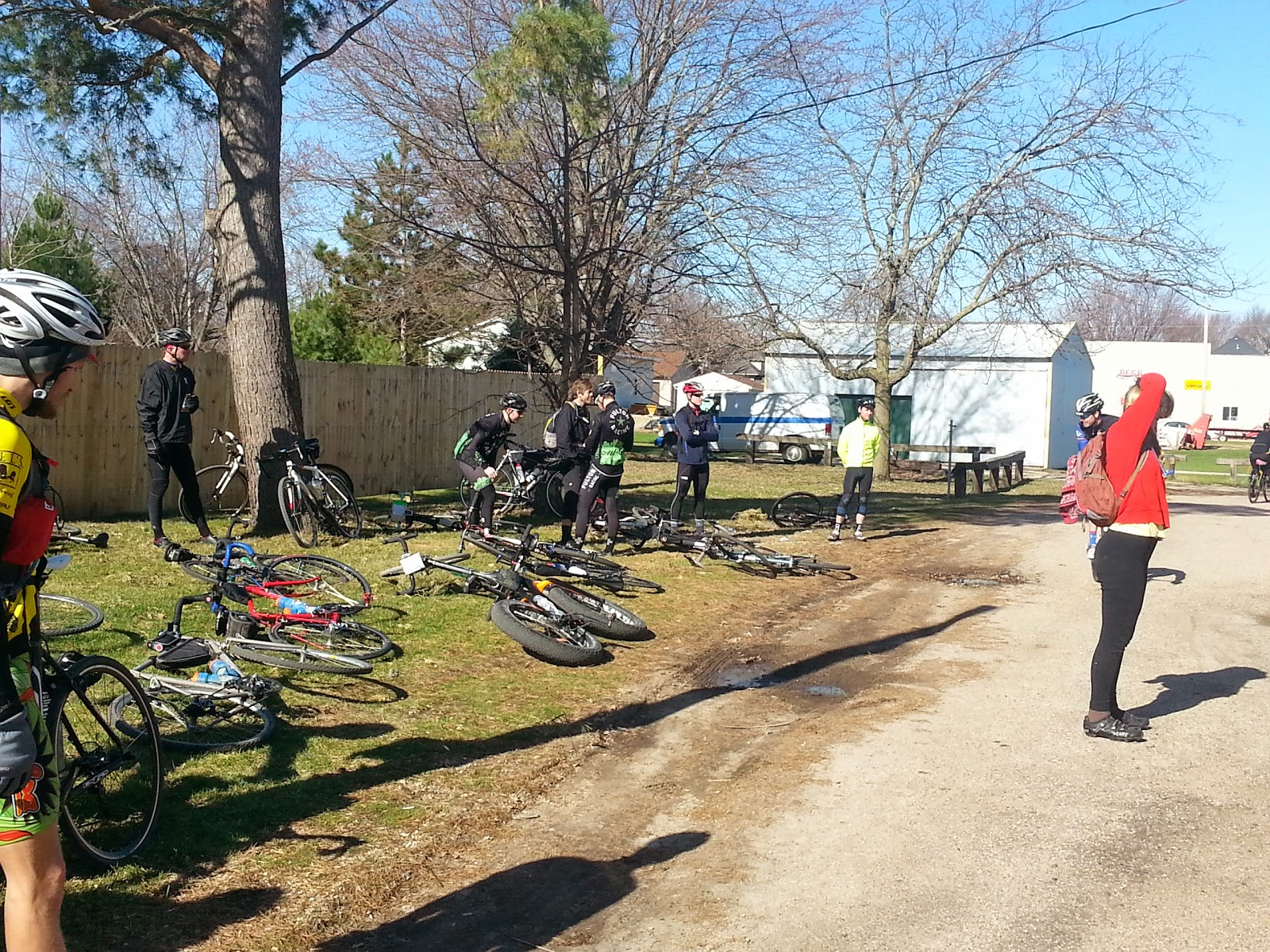 In the alley behind Tailgators in Elgin, MN getting ready for the Dickie Scramble 2014.