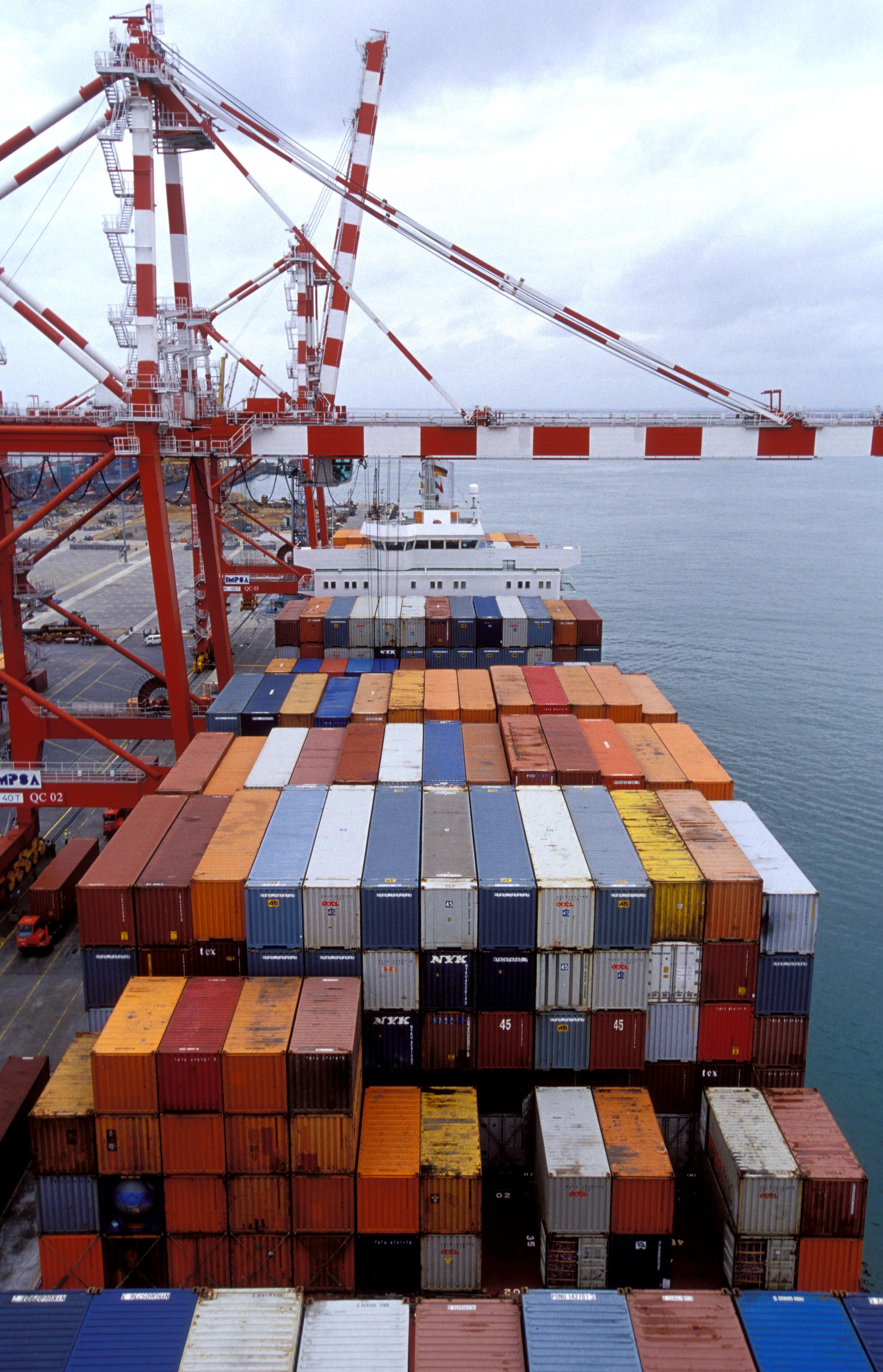 Crane Maritime Shipping.jpg