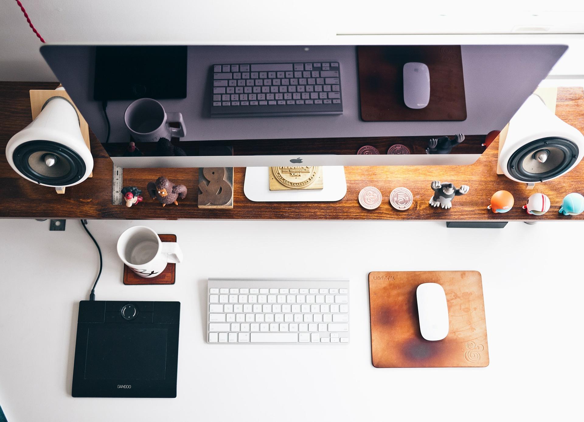 home-office-569359_1920.jpg