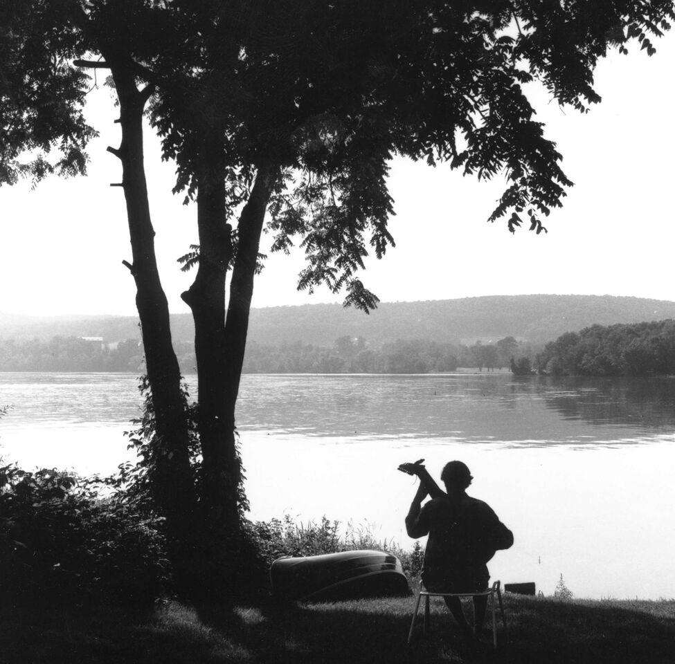PHOTO G.E. Kidder Smith