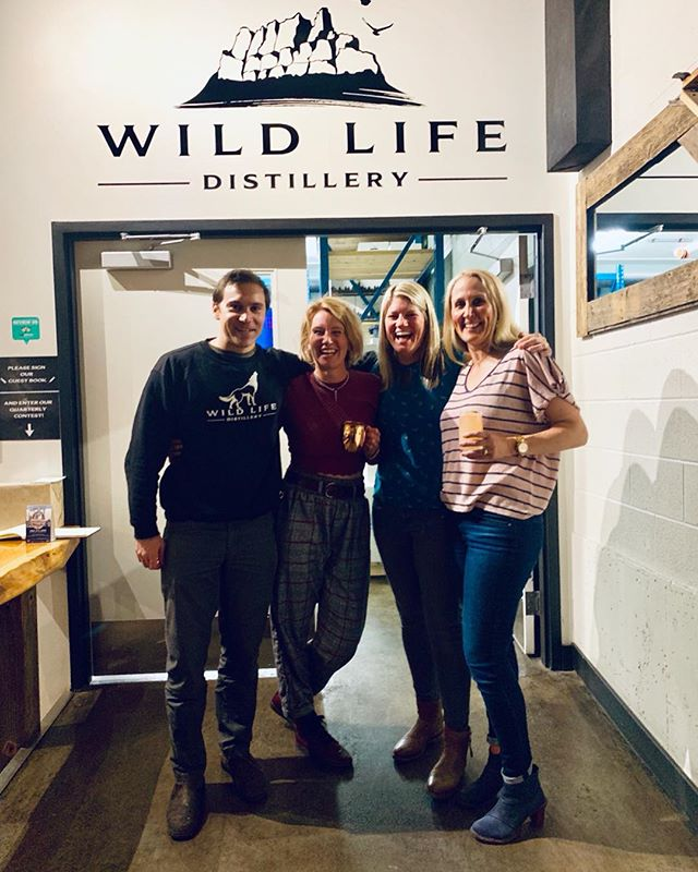Fun night of drinks with our building buddies @rundlept and @backatitmassageacupuncture at @wldspirits ... clearly Matt was not drinking on the job 🤪 Thanks for having us, we had a blast and your crew is awesome! Let's do it again!!! 🥃🍸🍹 #ilovecanmore #rundlephysio #backatitmassage #salon83 #youlookgood #wildlifedistillery #yum #cheers #visitcanmore #springsnow #whossarah