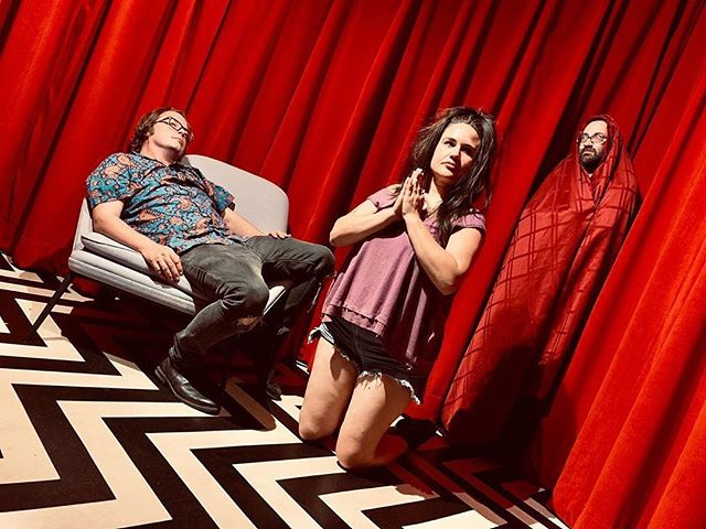 Black Lodge bitches 🦉 🦉 🦉 #helmary #earwigstudio #seattlemusic #newmusic #witchrock #comingsoon #twinpeaks #theowlsarenotwhattheyseem