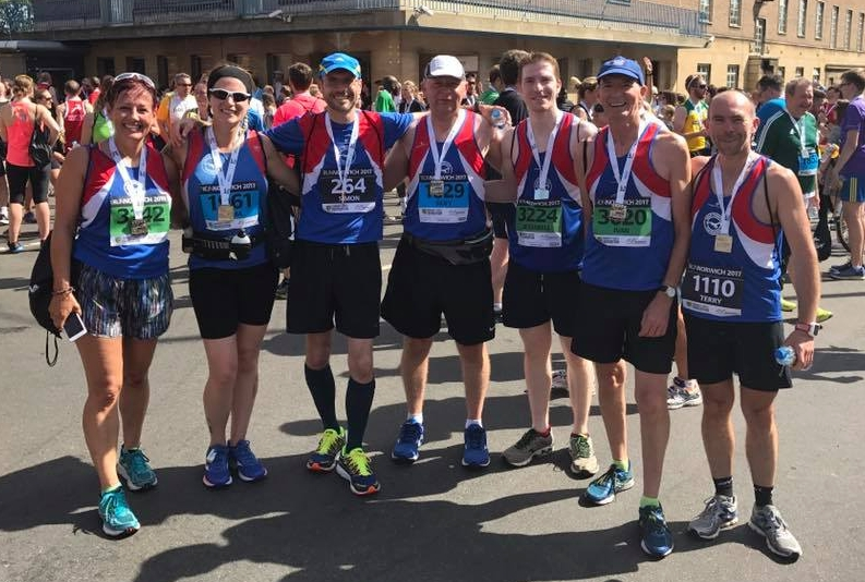 Sunny smiles! Well done team: Linda, Emma, Simon, Dave, Carl, Ivan and Terry.