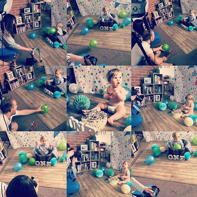 Behind the scenes of the cake smash yesterday had so much fun and so thankful that this little  boys family have chosen me to be their photographer from the very beginning from Abi's maternity photoshoot to Abel's cake smash. #firstbirthday #cakesmash #blueandgreen #messyday #sugerrush #canonphotography #derbyshirephotographer #chesterfieldphotographer #makingmenories #loyalclients
