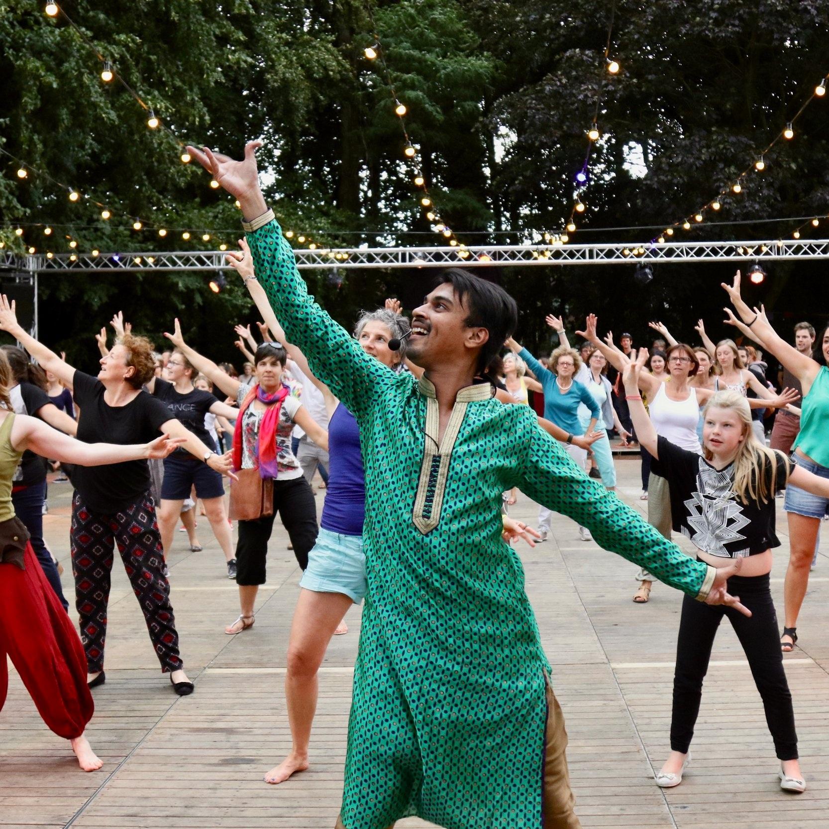Swapnil Dagliya - Bollywood Jazz   Bhangra   Contemporary Dance   Salsa