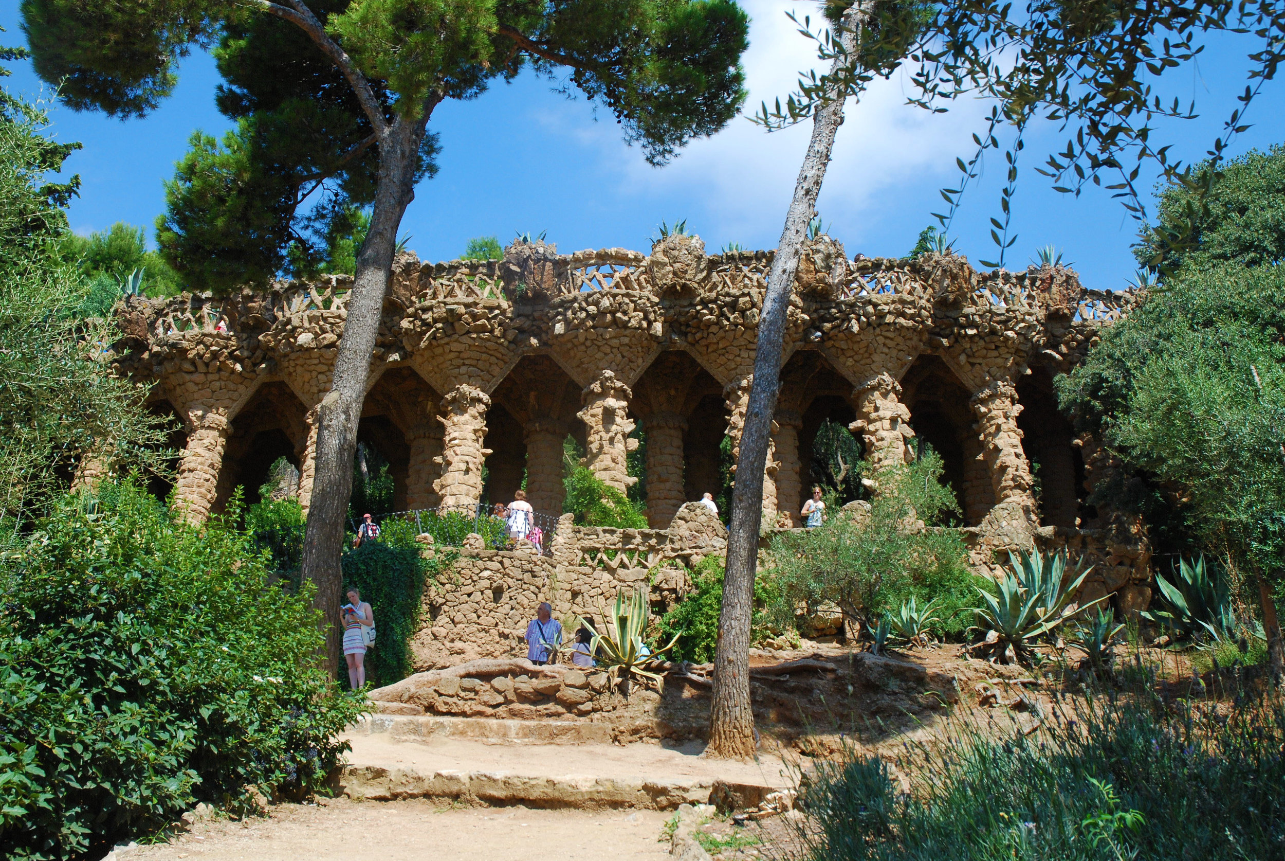 Gaudi-Park-Guell.jpg
