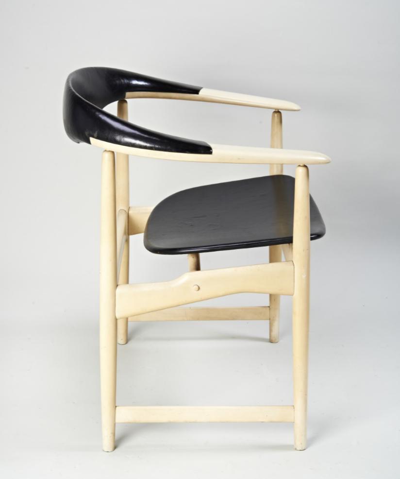 Arne+Hovmand-Olsen+Chair+side.PNG