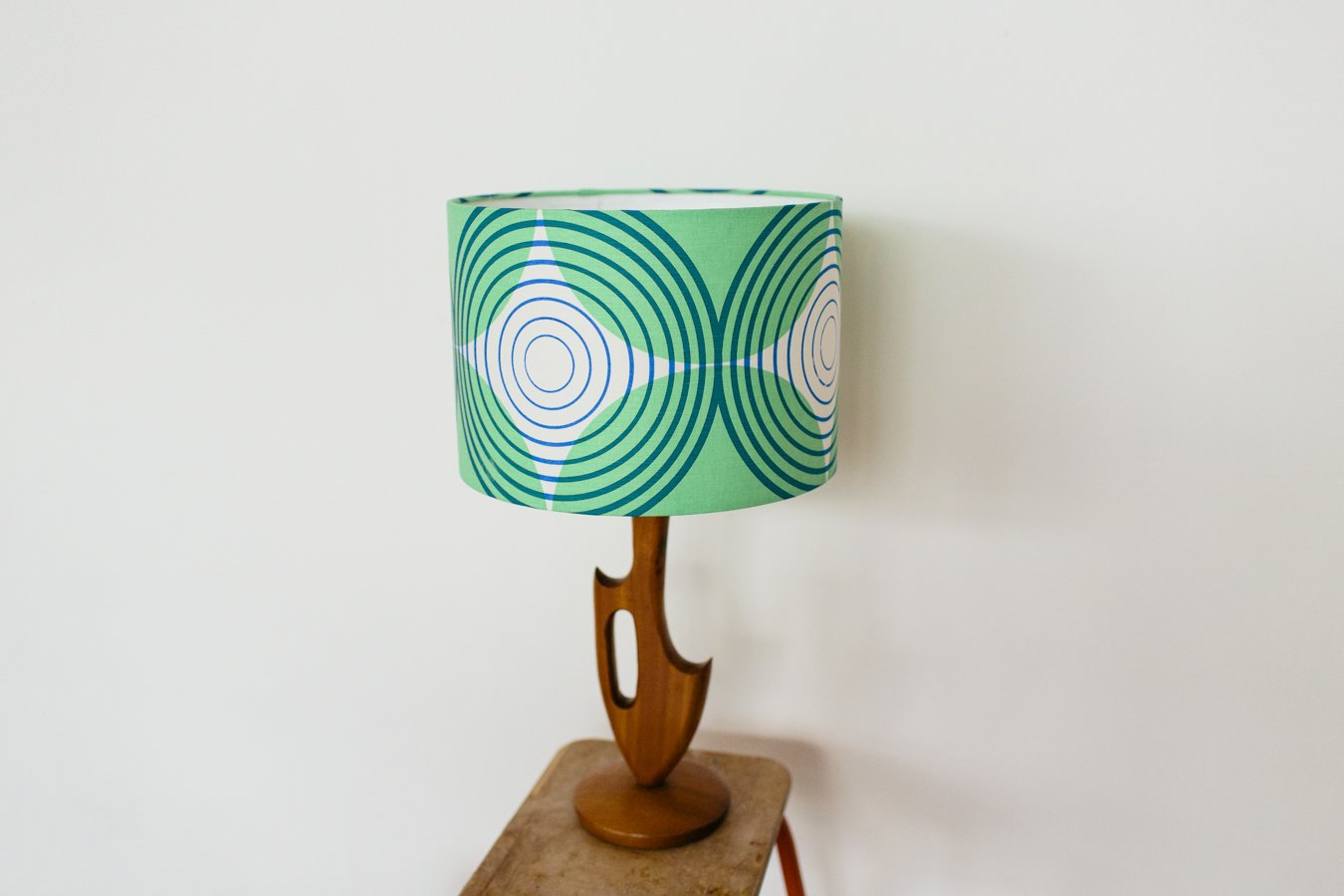 Lauraspring_EYESPOT_lampshade_green_blue_detail_2048x2048.jpg
