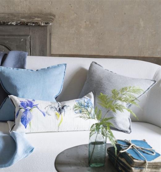 Iris Cushion