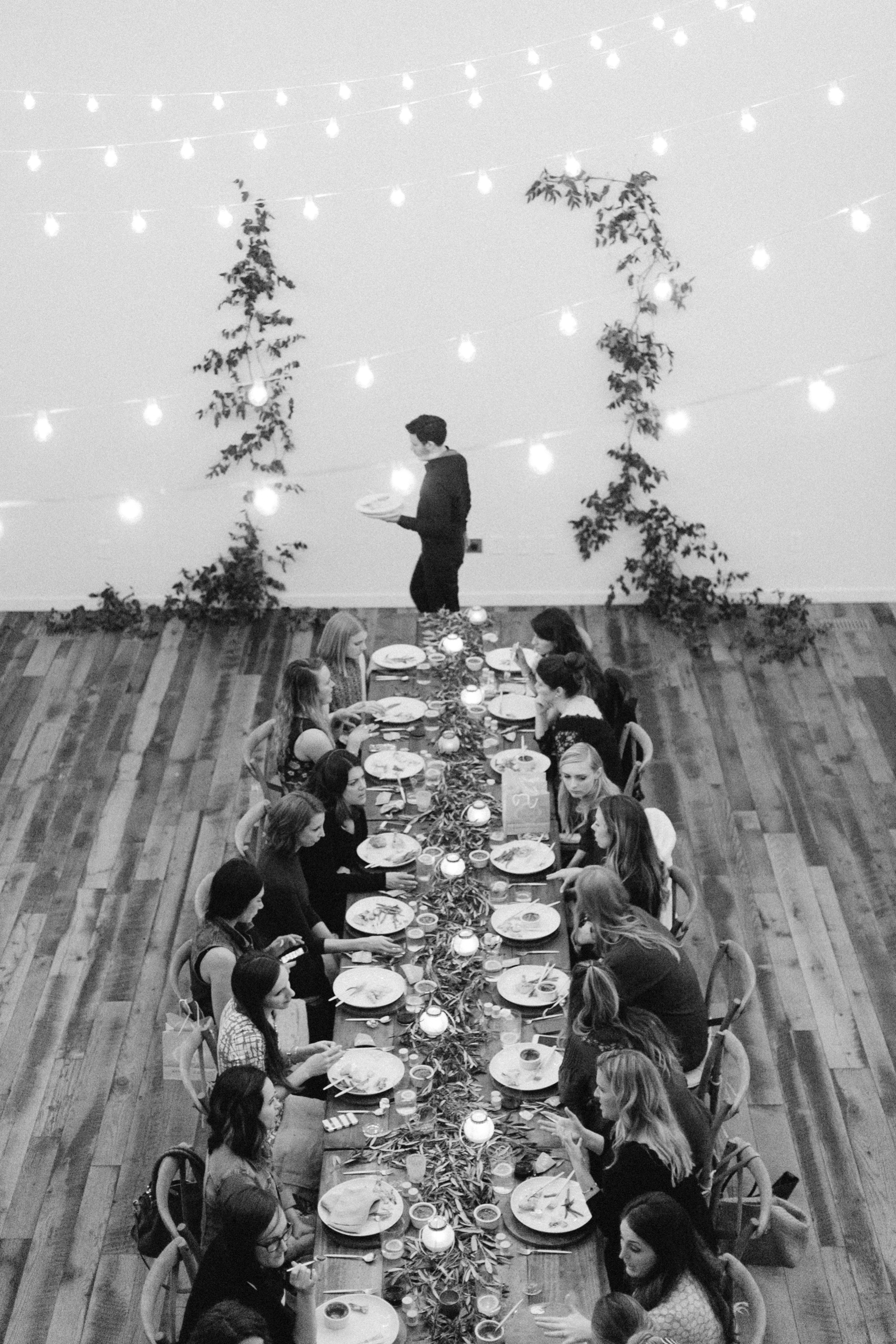 Family-style dinner party inspiration. The School of Styling Nashville - A three-day hands-on workshop for creative entrepreneurs. Photo by Love, the Nelsons. http://www.theschoolofstyling.com