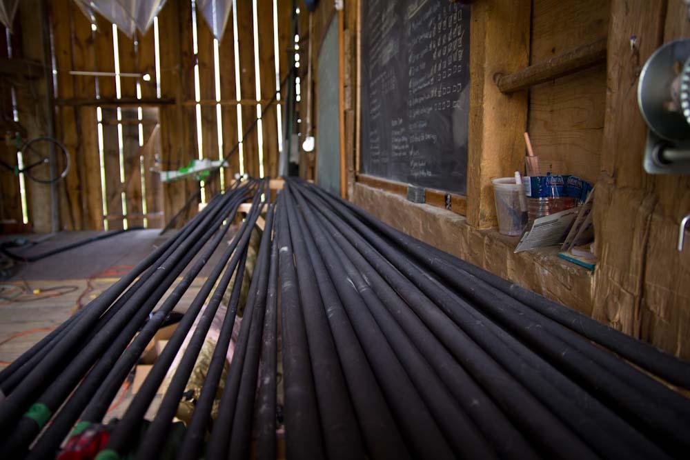30 pounds of lightweight carbon fibre tubes