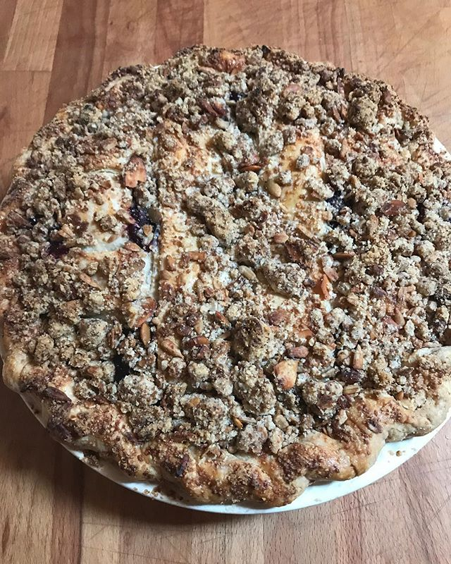 Upstate Blueberry Crumble Pie 💙💙🖤💙💙