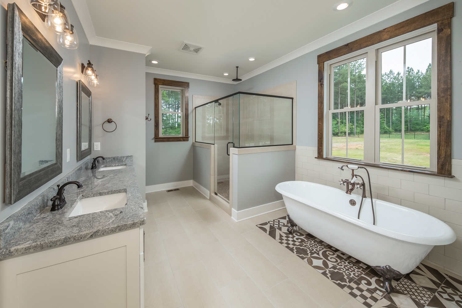 walk in shower and claw foot tub