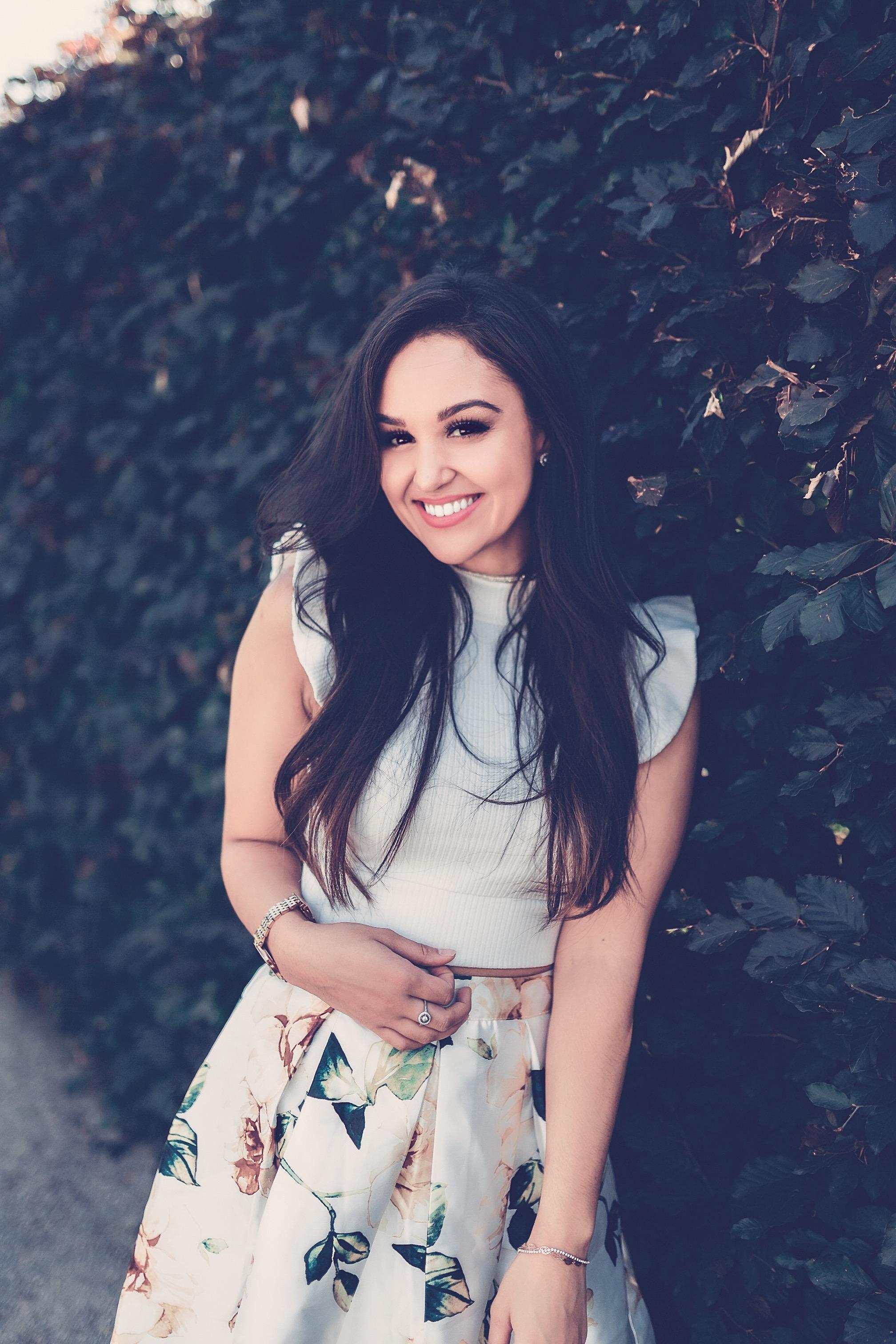 Jennifer Paige - Vocalist