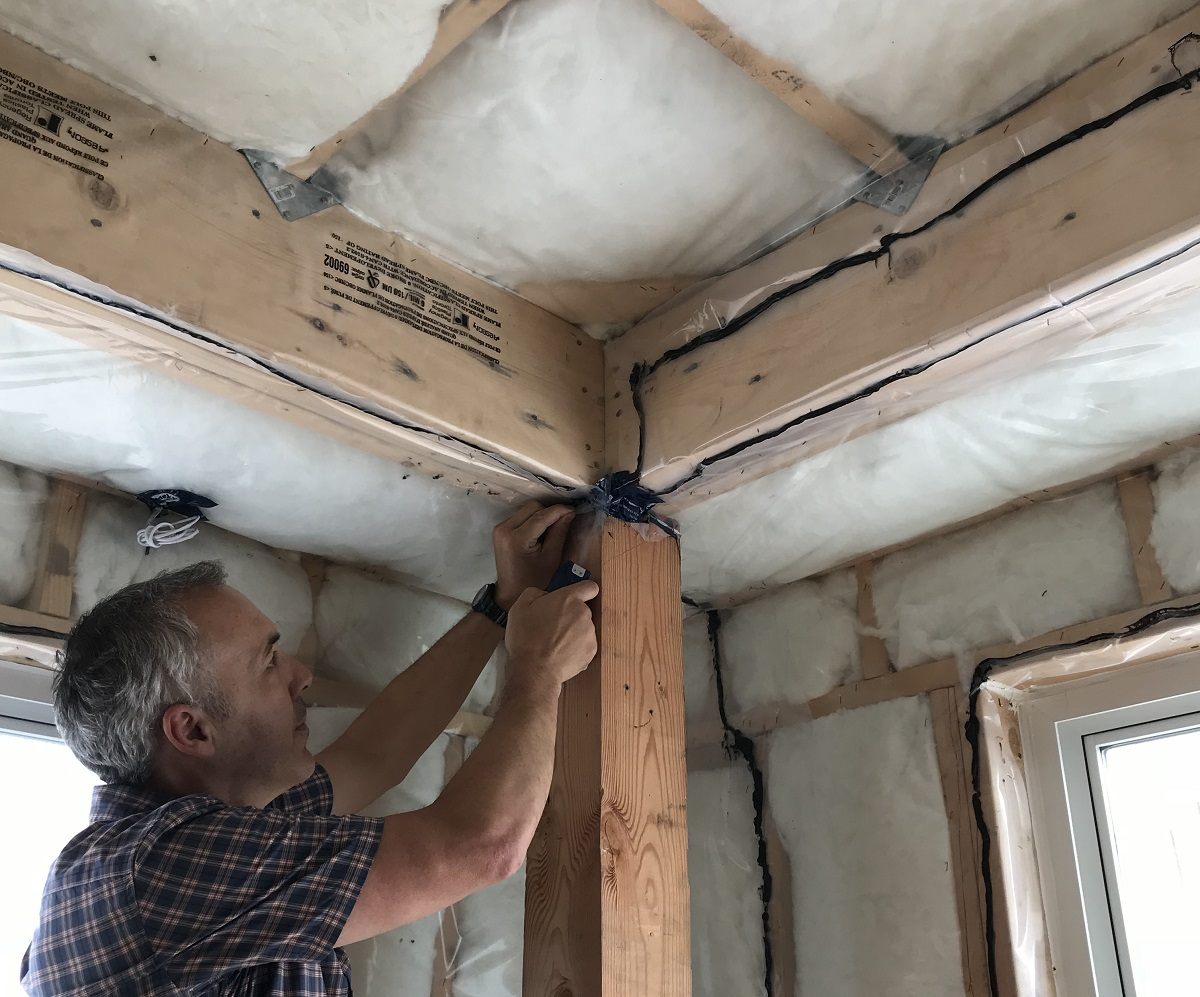 Home air tightness in Vancouver