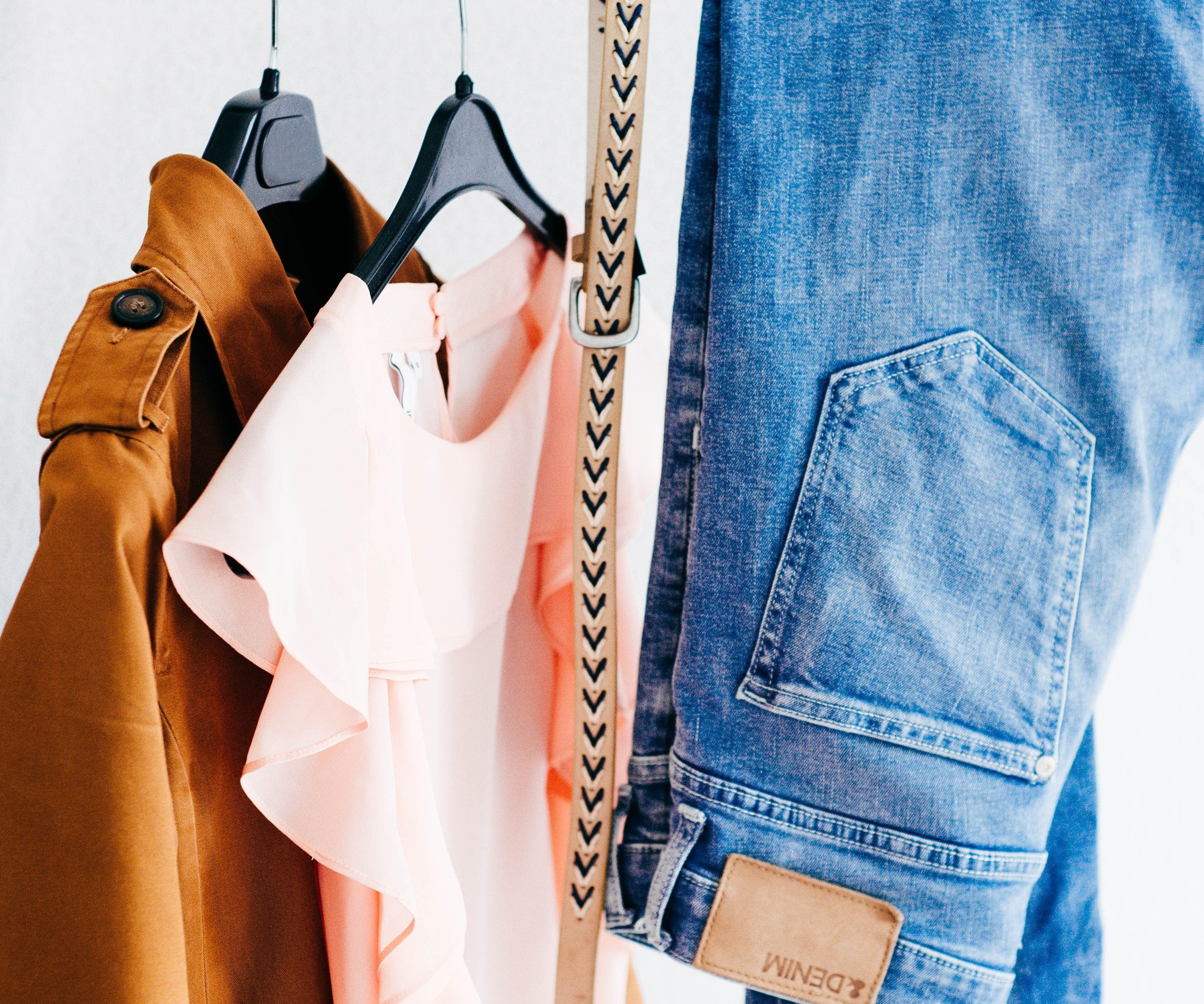 how-to-pack-clothing-brandon-moving-and-storage-arkansas-alexandra-gorn-260989.jpg