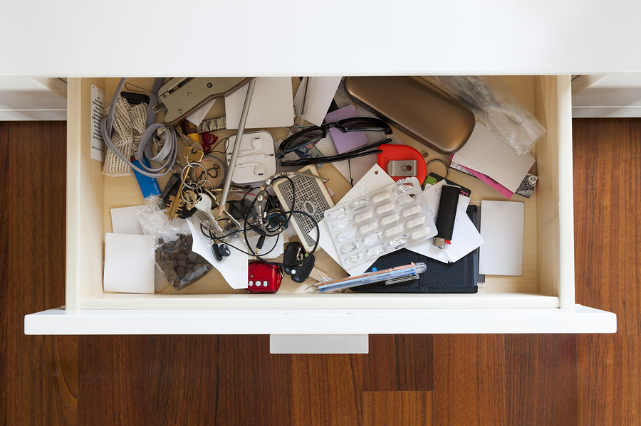 brandon-moving-and-storage-moving-hard-items-to-move-junk-drawer