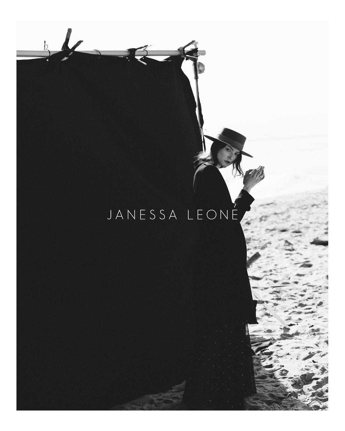 JANESSA LEONÉ