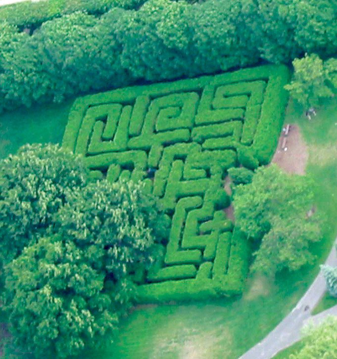 Centre Island Maze Photo Credit: www.thestar.com This was one of my favourite places to go because I loved trying to find my way out of this maze. If you want to read more about it click  here.