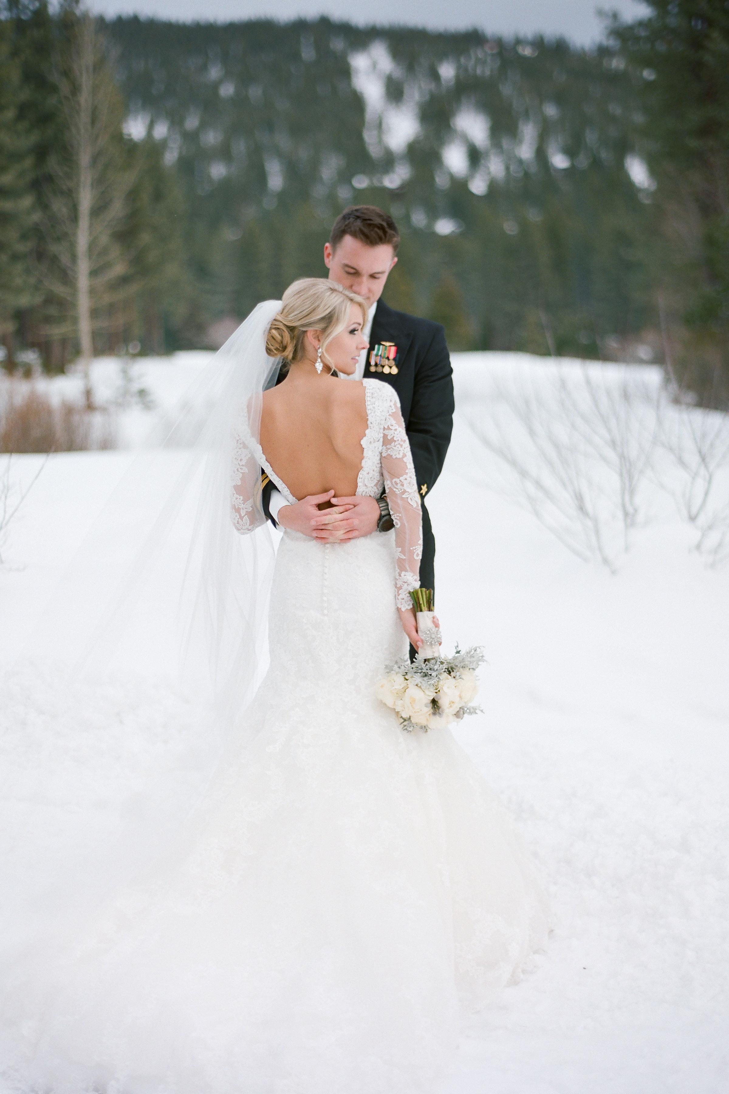 snowywinterwedding07.jpg