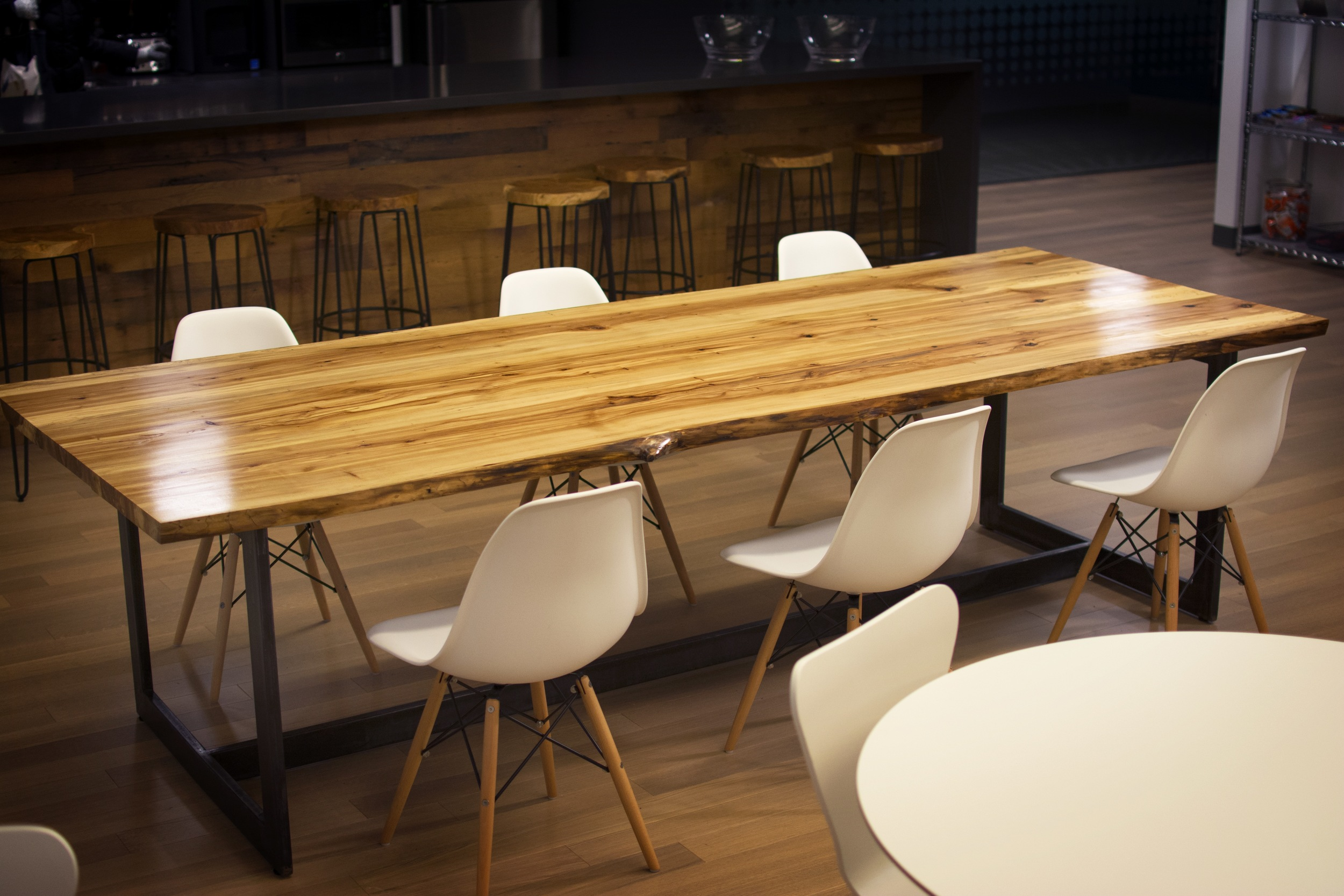 CRITEO DINING TABLE