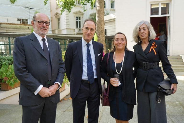 12-octubre-2017-Embajada-Londres-66-768x512.jpg