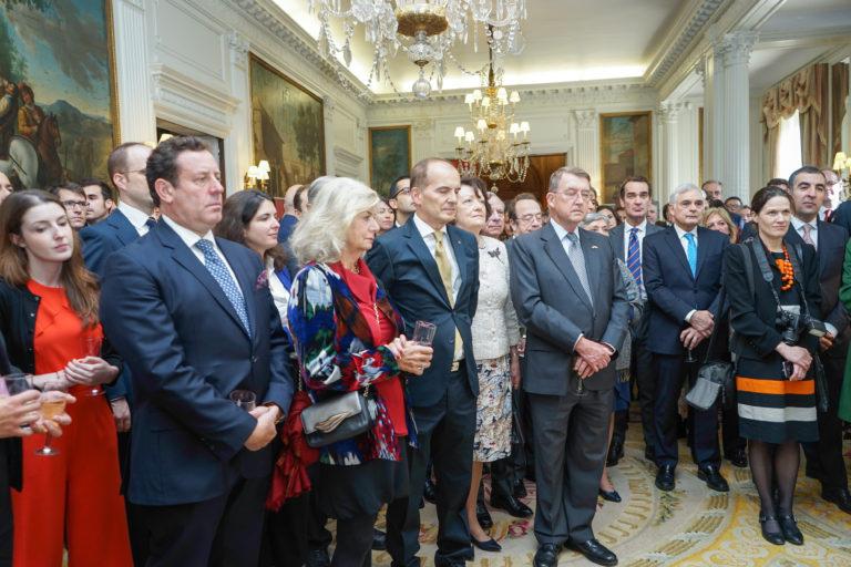 12-octubre-2017-Embajada-Londres-54-768x512.jpg