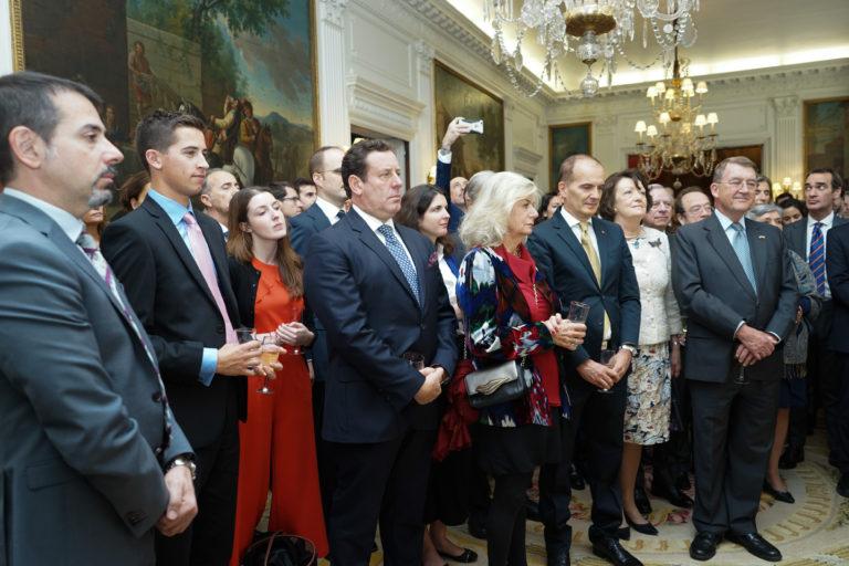 12-octubre-2017-Embajada-Londres-53-768x512.jpg