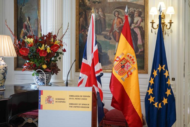 12-octubre-2017-Embajada-Londres-3-768x512.jpg