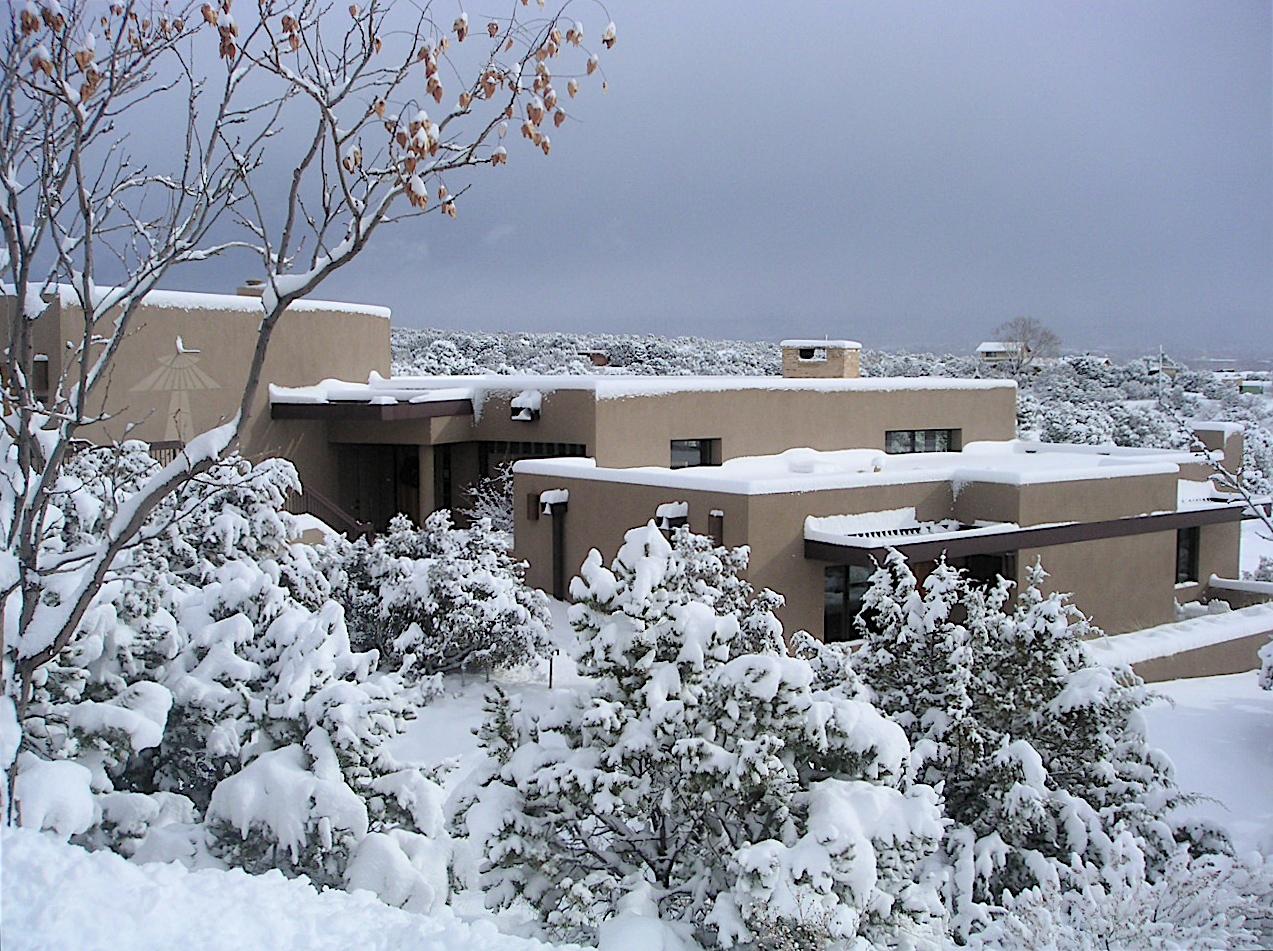 OLES home looking NE in snow-23dec08.JPG